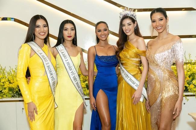 Ngỡ ngàng trước màn đọ sắc của dàn Hoa hậu Hoàn vũ 2 mùa: H'Hen Niê đẹp đẳng cấp bên cạnh tân Hoa hậu Khánh Vân - Ảnh 2.