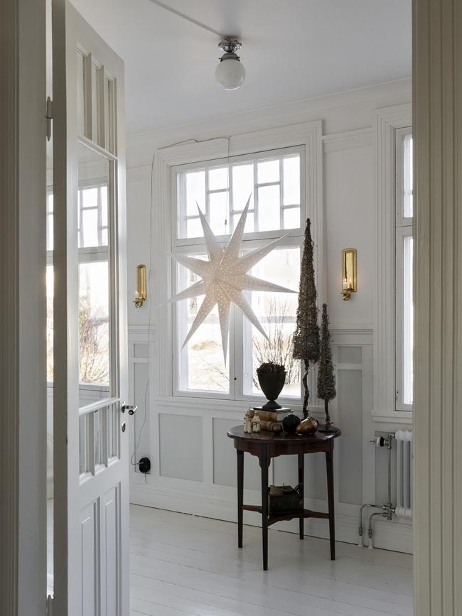 Ngôi nhà đúng chất Noel với trang trí chỉn chu từ trong ra ngoài - Ảnh 12.