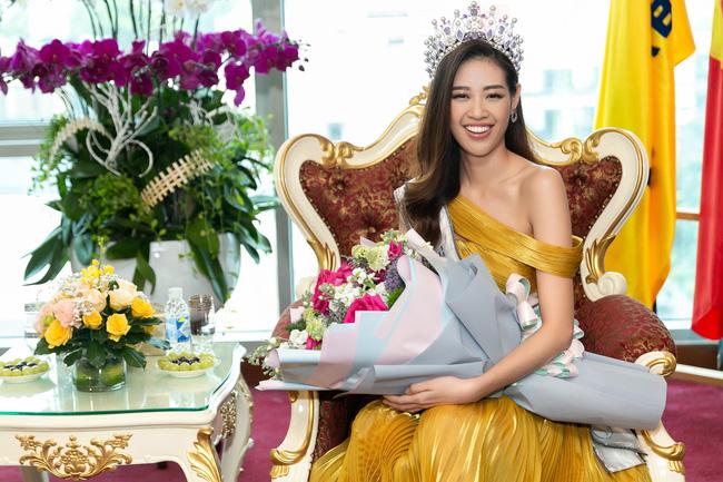 Ngỡ ngàng trước màn đọ sắc của dàn Hoa hậu Hoàn vũ 2 mùa: H'Hen Niê đẹp đẳng cấp bên cạnh tân Hoa hậu Khánh Vân - Ảnh 6.