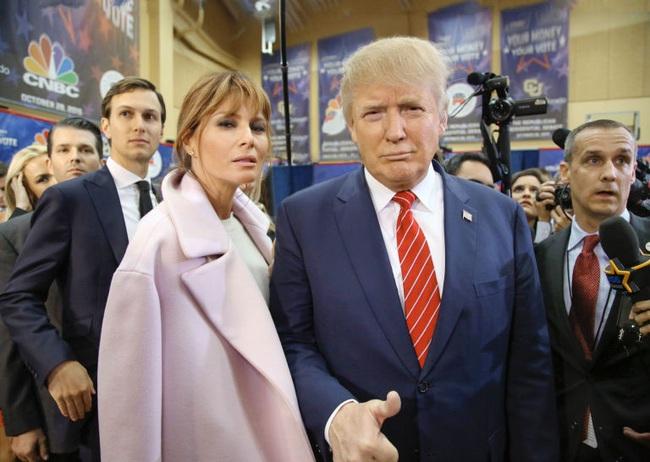 Từ nàng mẫu sexy nóng bỏng, bà Melania Trump đã thăng hạng lên Đệ nhất phu nhân với style quý phái như thế nào? - Ảnh 8.