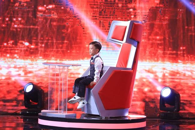 """""""Siêu trí tuệ"""": Anh trai Khánh Thi khiến Trấn Thành """"gục ngã"""" với khả năng nghe giai điệu đoán trúng phóc giới tính người chơi - Ảnh 13."""