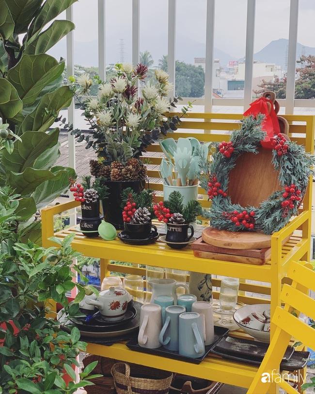 Sân thượng sắc màu rực rỡ đẹp cuốn hút đón Noel của mẹ đảm ở Nha Trang - Ảnh 9.