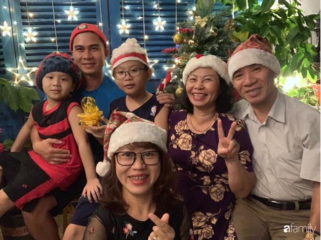 Sân thượng sắc màu rực rỡ đẹp cuốn hút đón Noel của mẹ đảm ở Nha Trang - Ảnh 2.