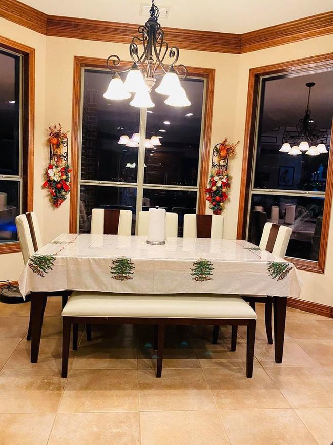 Biệt thự khủng lung linh mùa Giáng sinh của gia đình ca sĩ Hồng Ngọc - Ảnh 12.