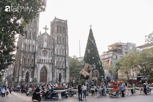 """Noel 2019 cận kề, loạt địa chỉ trang trí hoành tráng như nhà thờ Lớn, trung tâm thương mại sẽ là gợi ý """"sống ảo"""" cực xịn cho hội chị em Hà Nội - Ảnh 1."""
