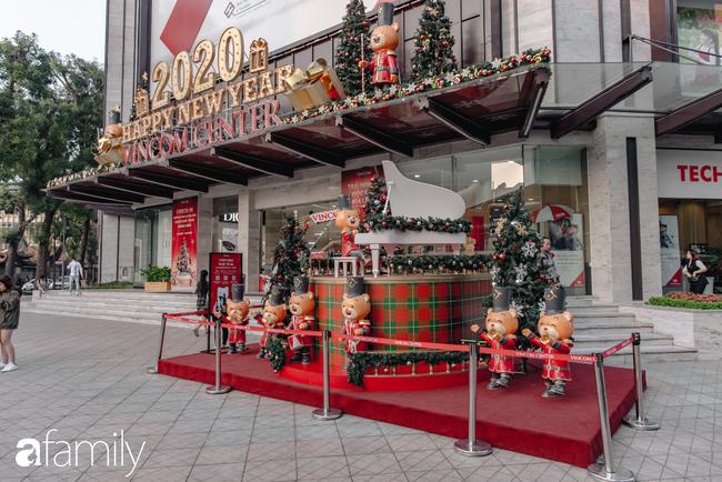 """Noel 2019 cận kề, loạt địa chỉ trang trí hoành tráng như nhà thờ Lớn, trung tâm thương mại sẽ là gợi ý """"sống ảo"""" cực xịn cho hội chị em Hà Nội - Ảnh 19."""