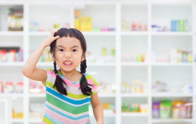 Nếu con có những dấu hiệu đáng ngờ này, bố mẹ đưa ngay đến bác sĩ bởi có thể con đã mắc chứng rối loạn tăng động giảm chú ý - Ảnh 3.