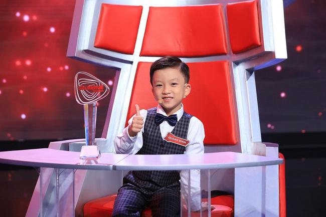 """Quang Bình """"Siêu trí tuệ Việt Nam"""": Khiến Trấn Thành cúi đầu vì trí nhớ siêu phàm, tiết lộ bí quyết thành thạo Tiếng Anh từ năm 4 tuổi  - Ảnh 1."""
