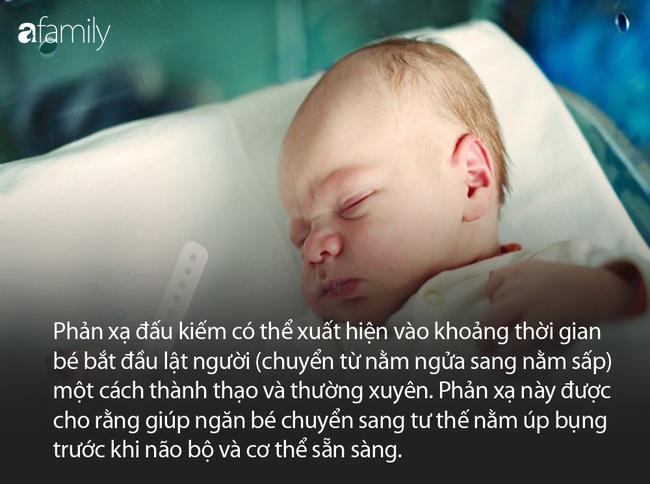 """10 cha mẹ thì đến 9 người không biết """"phản xạ đấu kiếm"""" là gì và những bí mật đằng sau phản xạ này ở trẻ sơ sinh - Ảnh 2."""