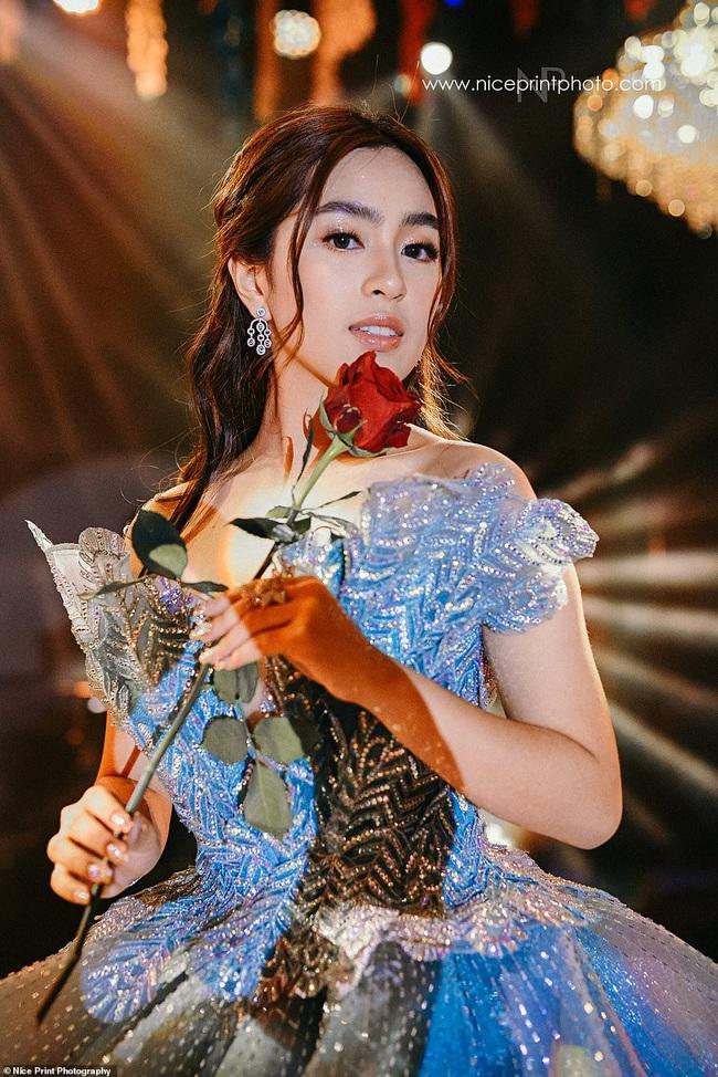 Tiệc sinh nhật của cô gái 18 tuổi giới siêu giàu châu Á: Xa xỉ bậc nhất hơn cả phim ảnh, nhan sắc ngoài đời của nhân vật chính mới thật bất ngờ - Ảnh 6.