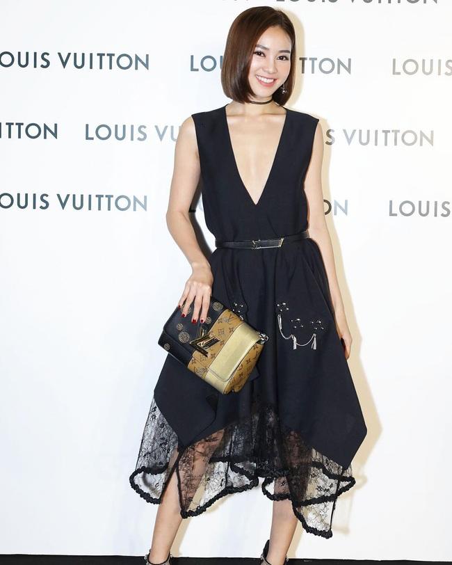 """Lan Ngọc vừa đập hộp chiếc túi Chanel hơn 100 triệu, dân tình lại soi thêm cả BST đồ hiệu không hề nhỏ của """"gái già lắm chiêu"""" - Ảnh 11."""