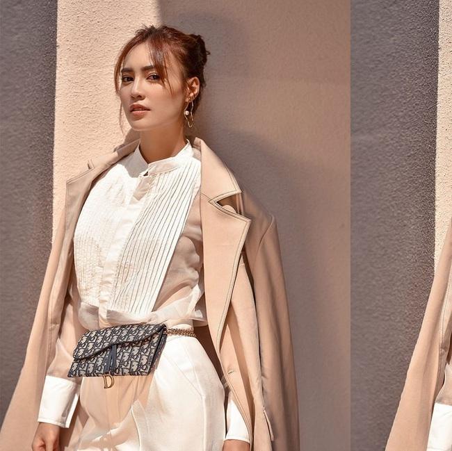 """Lan Ngọc vừa đập hộp chiếc túi Chanel hơn 100 triệu, dân tình lại soi thêm cả BST đồ hiệu không hề nhỏ của """"gái già lắm chiêu"""" - Ảnh 6."""