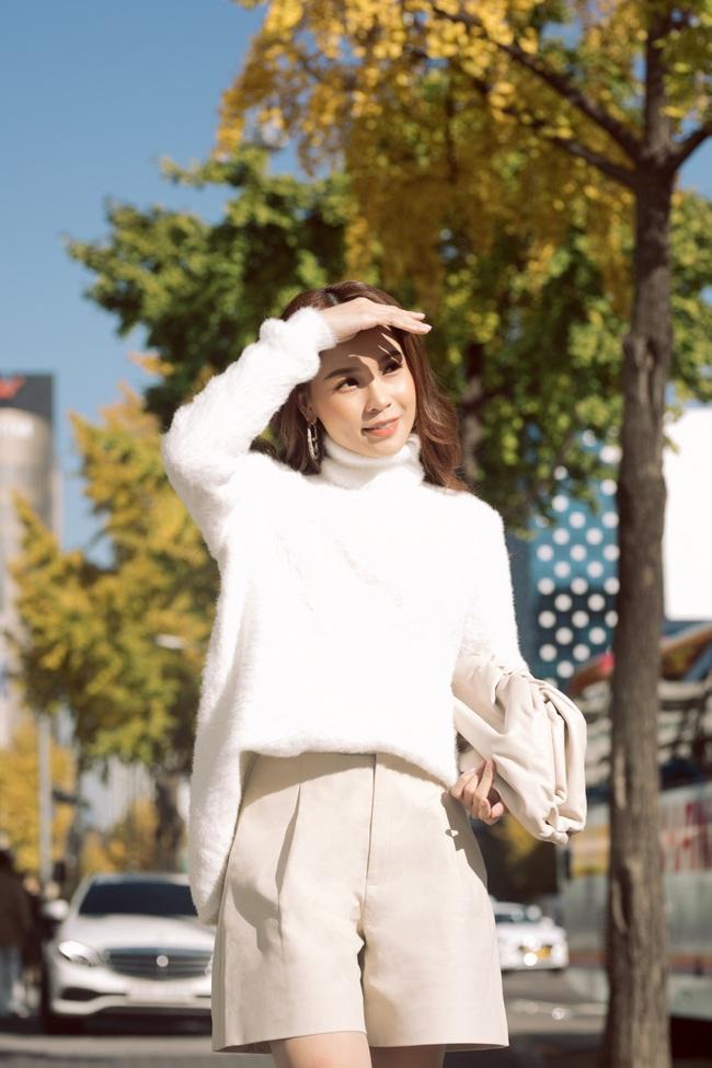 Hóa nàng thơ ngọt ngào trên đường phố Hàn Quốc, Sam nói về tình bạn với Ngô Kiến Huy - Ảnh 8.