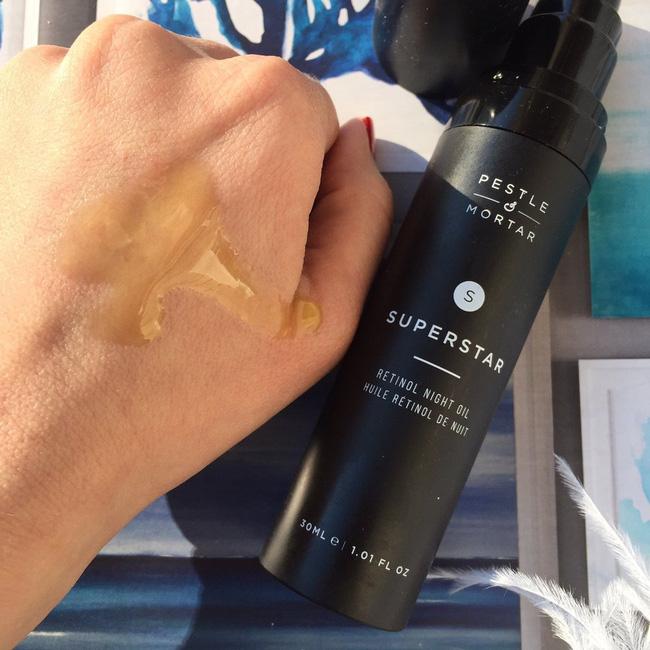 """Nếu da quá nhạy cảm để dùng Retinol, bạn có thể chống lão hóa """"chậm nhưng chắc"""" bằng thành phần này  - Ảnh 4."""