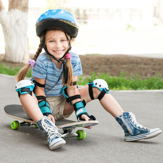 Từ vụ việc bé trai bị bóng bay trúng ngực gây tử vong, đây là những điều cha mẹ cần nhớ khi cho con chơi thể thao - Ảnh 2.