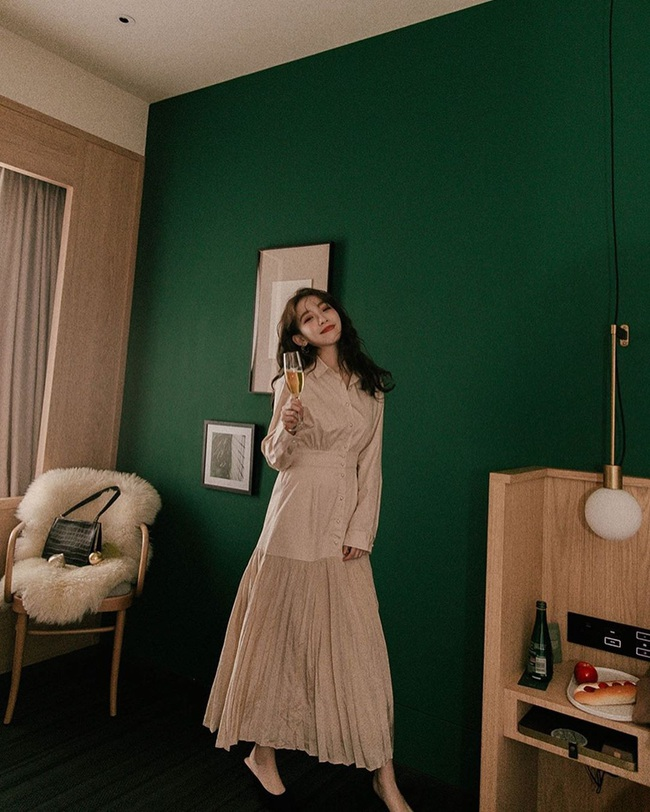 15 ý tưởng diện váy giúp chị em đẹp suốt từ Giáng sinh cho đến muôn kiểu tiệc tùng mùa lễ hội - Ảnh 12.
