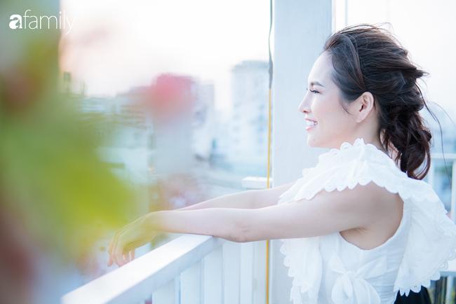 """Mẹ đơn thân 31 tuổi với bản lĩnh """"biến sai lầm cuộc đời thành đúng"""": Vực lại cơ ngơi tiền tỷ sau đổ vỡ, chưa 1 lần mặc áo cưới vẫn hạnh phúc - Ảnh 1."""