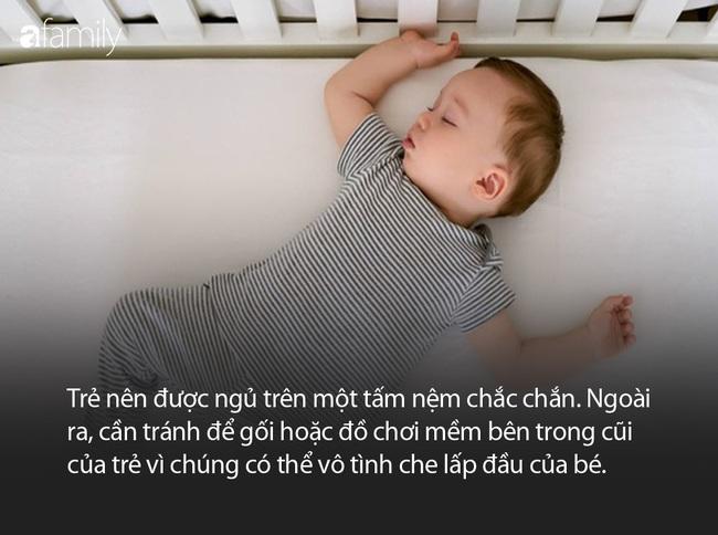 Lan Khuê thoải mái khoe con trai ngủ dáng khó, nhưng các mẹ có biết đây là tư thế nằm vô cùng nguy hiểm ở trẻ sơ sinh - Ảnh 6.