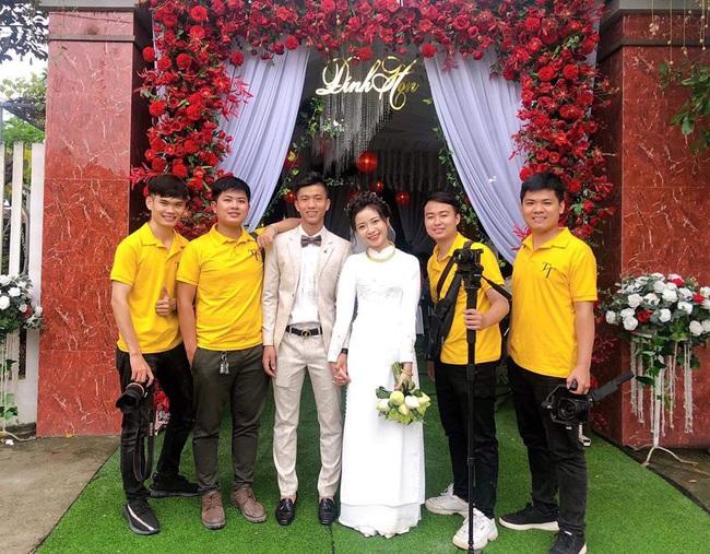 Vợ Phan Văn Đức khoe ảnh đính hôn, lộ một chi tiết khiến nhiều người tin rằng hai người sắp có em bé! - Ảnh 2.
