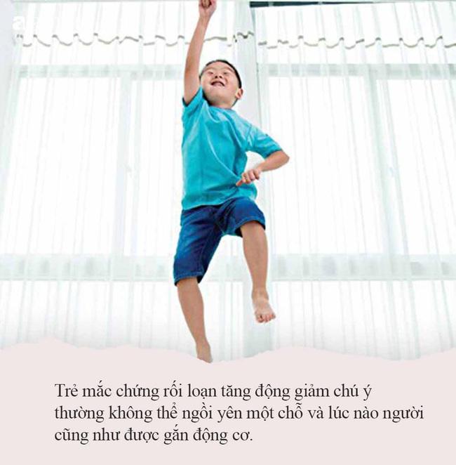 Tăng động rất dễ bị nhầm thành hiếu động, bố mẹ học ngay cách phân biệt sau để sớm có biện pháp chữa trị cho con - Ảnh 3.