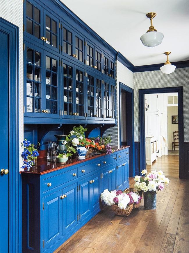 Bạn đã sẵn sàng trang hoàng ngôi nhà nhỏ của mình với gam màu xanh cổ điển của năm 2020 - Ảnh 6.