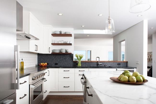 Căn bếp đen - trắng vừa đẹp vừa sang lại luôn gọn gàng ngăn nắp - Ảnh 1.