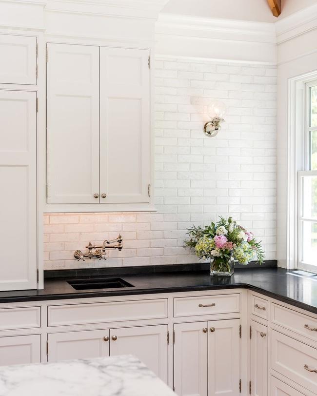 Căn bếp đen - trắng vừa đẹp vừa sang lại luôn gọn gàng ngăn nắp - Ảnh 14.