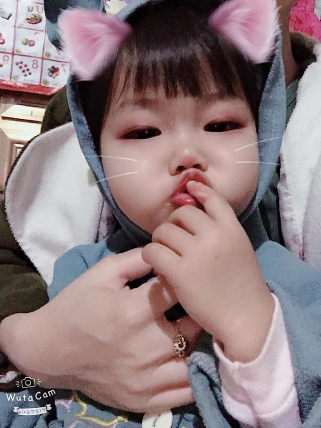 Sáng nào cũng bị bố mẹ gọi dậy đi học, cô bé mầm non có hành động phản kháng quyết liệt khiến dân tình cười nắc nẻ - Ảnh 3.