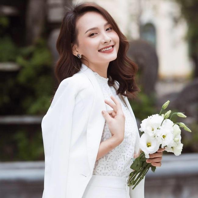 """Năm 2019 """"đổi đời"""" của sao Việt: Người tên tuổi """"vụt sáng"""" không kịp cản, người viên mãn hôn nhân đến ghen tị - Ảnh 8."""
