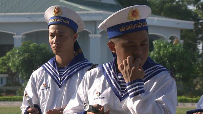 """""""Sao nhập ngũ"""": Huy Khánh sướng rơn vì được cầm súng bắn đạn thật, thỏa ước mơ làm bộ đội - Ảnh 7."""