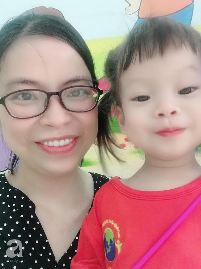 Nữ bác sĩ chia sẻ câu chuyện tự học Tiếng Anh để dạy con: Không chỉ là dạy, mẹ phải thổi tình yêu ngôn ngữ vào tâm hồn con - Ảnh 1.