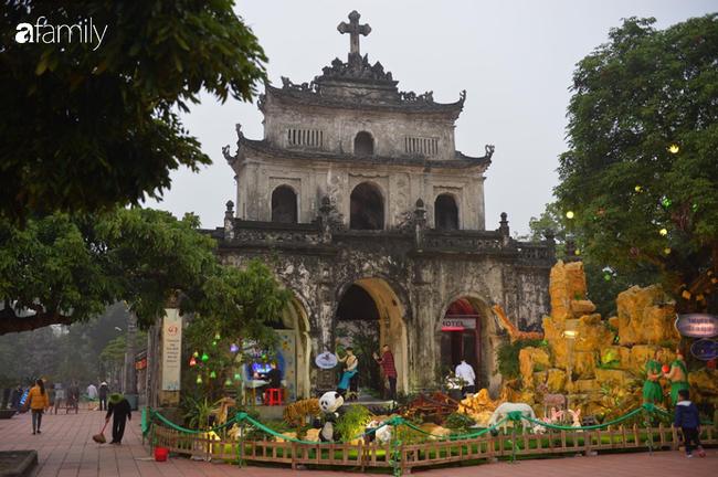 Không khí Giáng sinh rực rỡ tại nơi đồng bào Công giáo nhiều nhất cả nước - Ảnh 10.