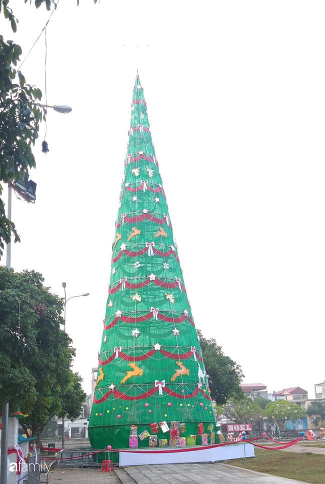 Không khí Giáng sinh rực rỡ tại nơi đồng bào Công giáo nhiều nhất cả nước - Ảnh 20.