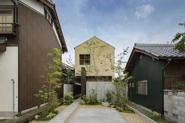 Ngôi nhà phố tạo dấu ấn đặc biệt với những tiểu cảnh thiết kế tinh tế ở Nhật Bản - Ảnh 2.