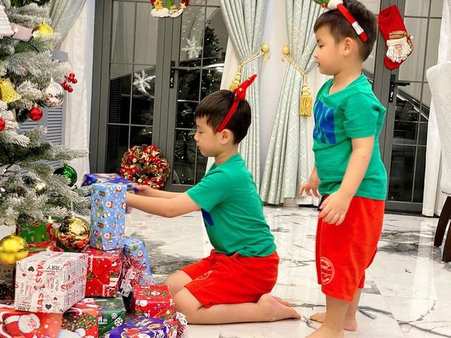 """Tự giác làm việc nhà là thế nhưng lúc xin quà Giáng sinh, """"thánh ăn"""" nhà Đăng Khôi - Thủy Anh lại chỉ thích món đồ rẻ tiền này - Ảnh 3."""
