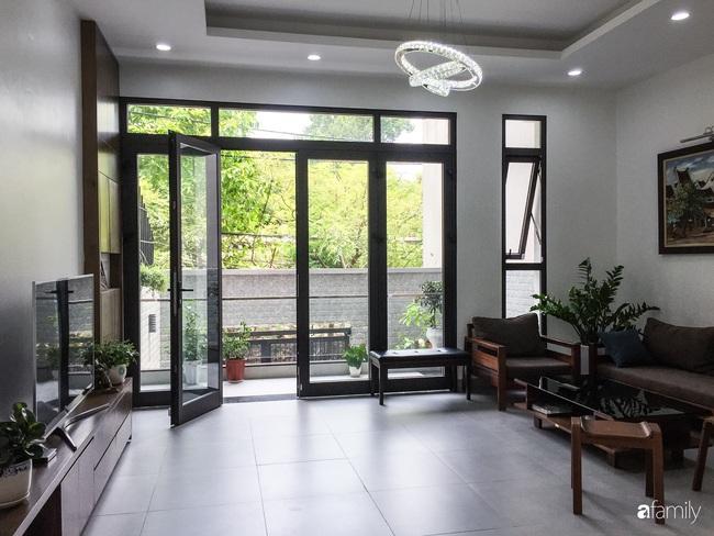 Ngắm ngôi nhà đẹp như mơ với chi phí 1,6 tỉ do con trai là KTS xây tặng bố mẹ ở Long Biên, Hà Nội - Ảnh 5.