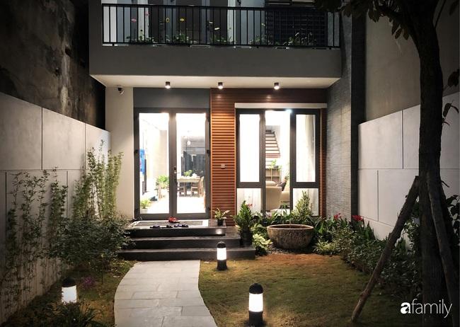 Ngôi nhà phố cho gia đình 3 thế hệ với chiều dài 36m2 tạo ấn tượng mạnh nhờ tông màu trung tính ở Hà Nội - Ảnh 4.