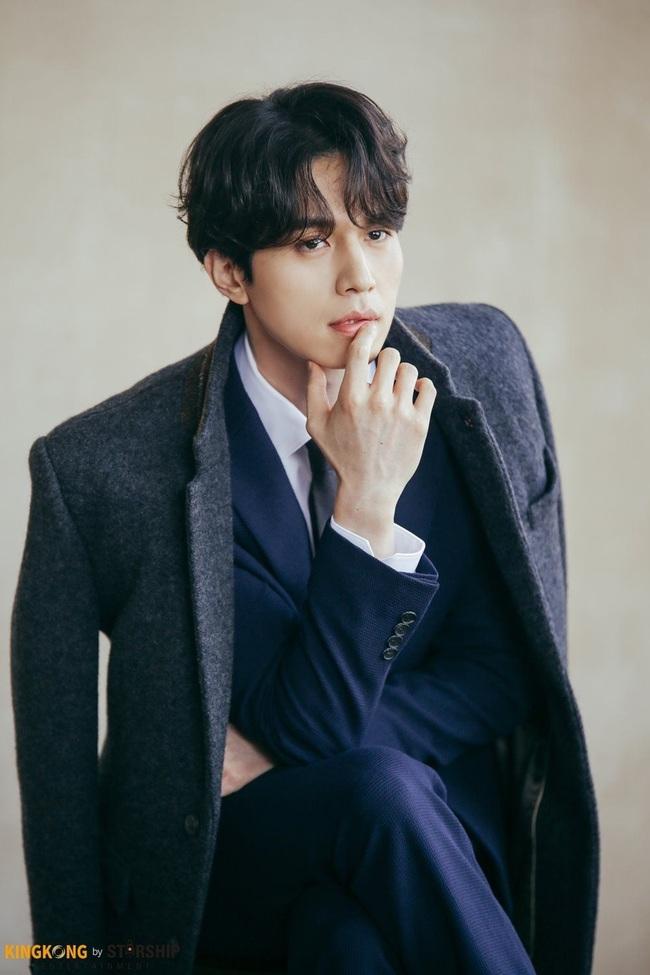 """""""Thần chết"""" Lee Dong Wook lại """"gây bão"""" với hình ảnh điển trai năm 18 tuổi, nhưng bất ngờ nhất là khi so sánh với nhan sắc hiện tại - Ảnh 3."""