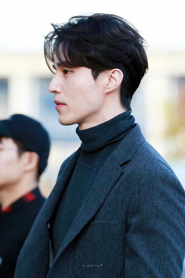 """""""Thần chết"""" Lee Dong Wook lại """"gây bão"""" với hình ảnh điển trai năm 18 tuổi, nhưng bất ngờ nhất là khi so sánh với nhan sắc hiện tại - Ảnh 5."""