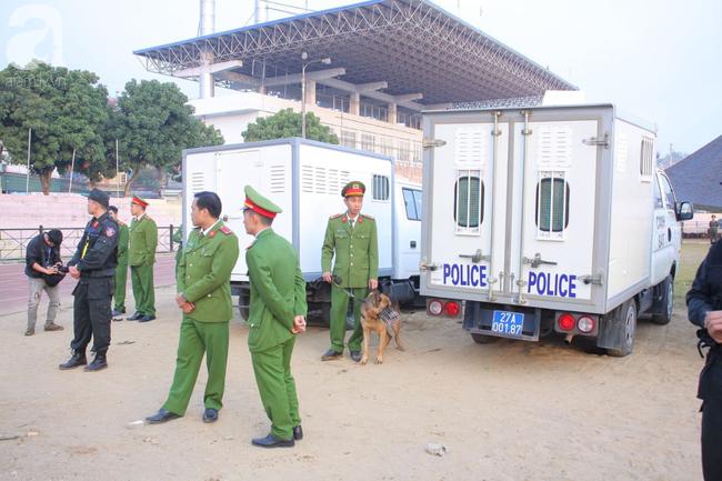 Trực tiếp phiên xét xử 9 bị cáo vụ sát hại nữ sinh giao gà ở Điện Biên: Toà không triệu tập bà Trần Thị Hiền - Ảnh 1.