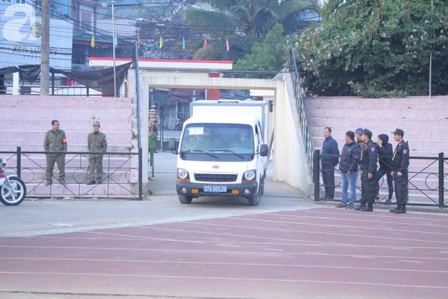 Trực tiếp phiên xét xử 9 bị cáo vụ sát hại nữ sinh giao gà ở Điện Biên: Toà không triệu tập bà Trần Thị Hiền - Ảnh 2.