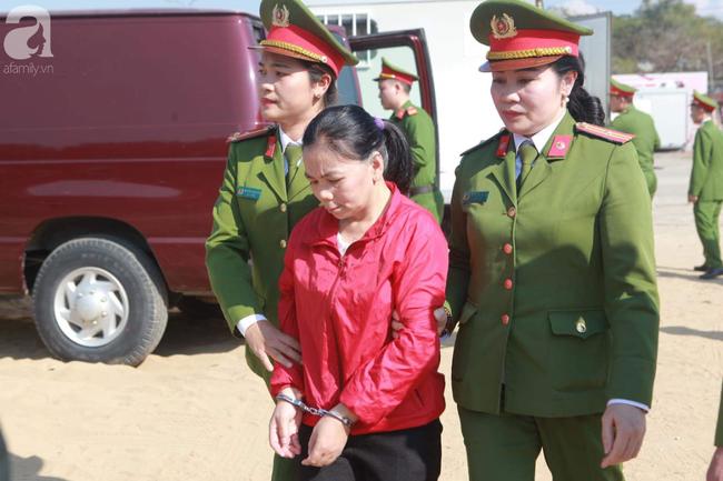 Tiếp tục xét xử các bị cáo trong vụ nữ sinh giao gà bị sát hại ở Điện Biên - Ảnh 3.