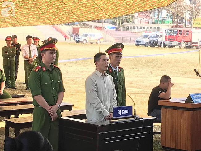 Tiếp tục xét xử các bị cáo trong vụ nữ sinh giao gà bị sát hại ở Điện Biên: Bị cáo khai 5 lần thay nhau hiếp dâm nữ sinh Cao Mỹ Duyên - Ảnh 1.