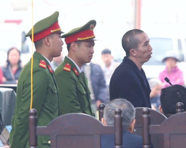 Xét xử vụ nữ sinh giao gà bị hãm hiếp, sát hại: Vợ chồng Bùi Văn Công và Bùi Kim Thu liên tục kêu oan, cho rằng mình bị ép cung - Ảnh 3.