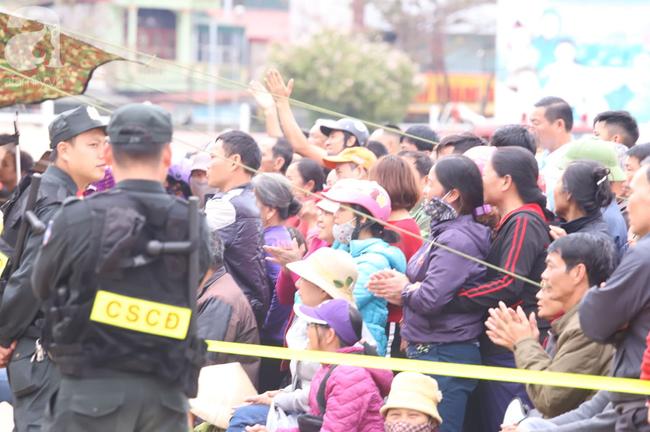 Xét xử ngày thứ 2 vụ nữ sinh giao gà Điện Biên bị sát hại: Luật sư đại diện đưa ra bằng chứng xin giảm hình phạt tử hình cho các bị cáo - Ảnh 3.
