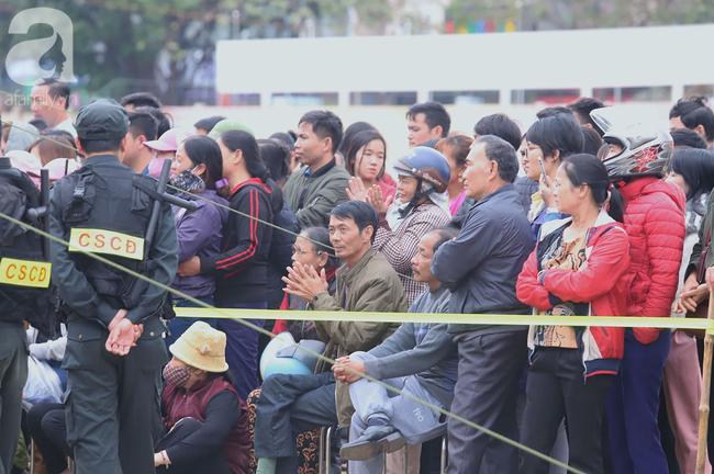 Xét xử ngày thứ 2 vụ nữ sinh giao gà Điện Biên bị sát hại: Luật sư đại diện đưa ra bằng chứng xin giảm hình phạt tử hình cho các bị cáo - Ảnh 2.