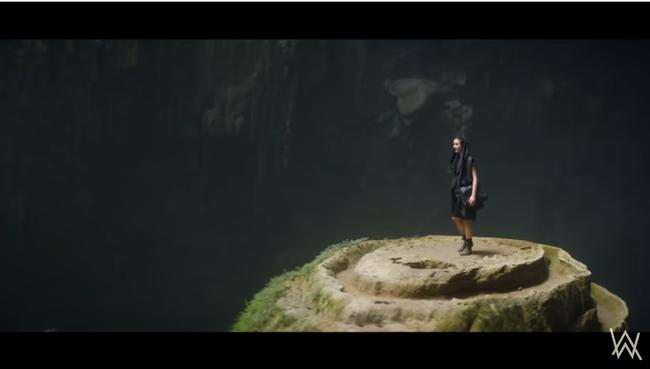 """Hang Sơn Đoòng - kỳ quan số 1 Việt Nam trở thành bối cảnh """"truy tìm kho báu"""" trong MV mới của phù thủy âm nhạc Alan Walker - Ảnh 2."""