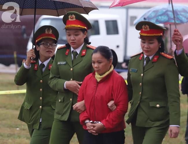 Vụ nữ sinh giao gà bị hãm hiếp, sát hại ở Điện Biên:  Các bị cáo phải bồi thường cho gia đình nạn nhân bao nhiêu tiền? - Ảnh 3.