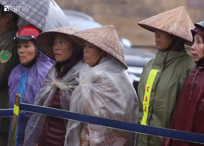 Người thân và người dân bức xúc trước bản án 3 năm tù về tội không tố giác tội phạm của Bùi Kim Thu - Ảnh 4.