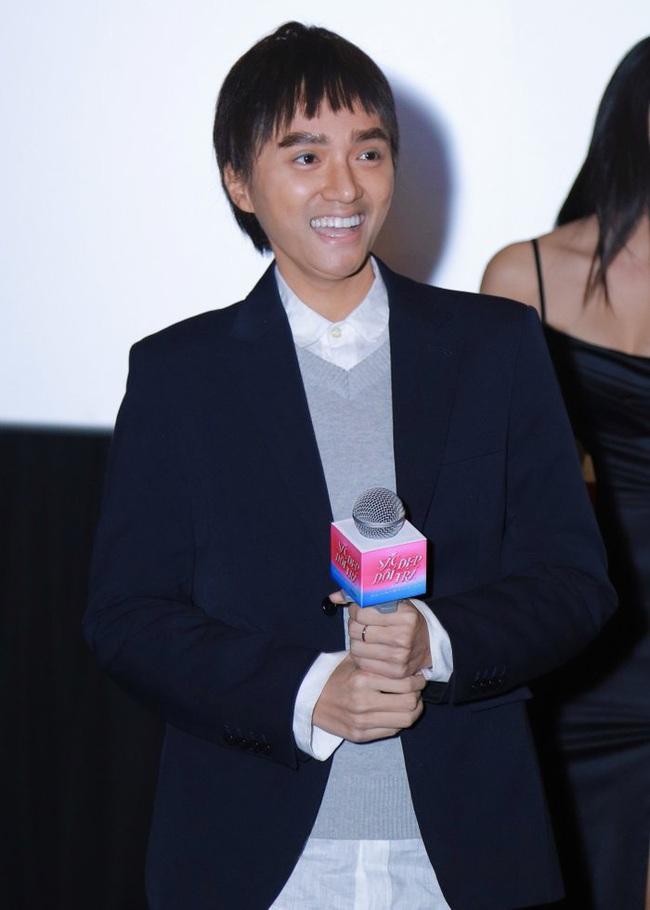 """Hoa hậu Hương Giang xuất hiện với hình ảnh nam giới, thừa nhận phải giấu bớt """"cốt đàn ông""""  - Ảnh 2."""